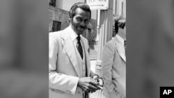 Чак Берри после судебных слушаний по делу о неуплате налогов. 1979 год