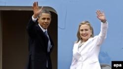 Presiden AS Barack Obamadan Hillary Clinton, yang saat itu masih menjabat sebagai Menlu AS (foto: dok).
