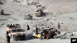د ننګرهار حصارک ولسوالۍ کې د طالبانو او افغان ځواکونو ترمنځ د تیرې ورځې له جګړو وروسته اوس دغې سیمې ته تازه دمې قواوې ورغلي.
