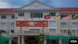 柬埔寨西哈努克港的一家赌场。(美国之音朱诺拍摄,2013年5月16日)
