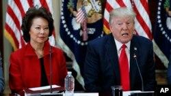 La secretaria de Transporte, Elaine Chao señaló que el anunció del presidente Trump sobre el gasto en infraestructura será en las próximas semanas.