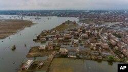 د هندي چارواکو په وېنا په بهار او اترپردېش ریاستونو کې سیلاب ډیر نقصان کړې دی