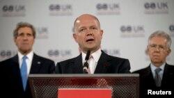 Menlu Inggris William Hague berbicara pada konferensi Menlu G8 Foreign di London yang berakhir hari ini (11/4).