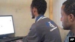 Cyber café à Addis Abeba en Ethiopie le 31 octobre 2011.