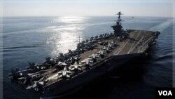 El portaaviones USS John C. Stennis continuará navegando en el Golfo Pérsico a pesar de la advertencia de Irán para mantenerse alejado.