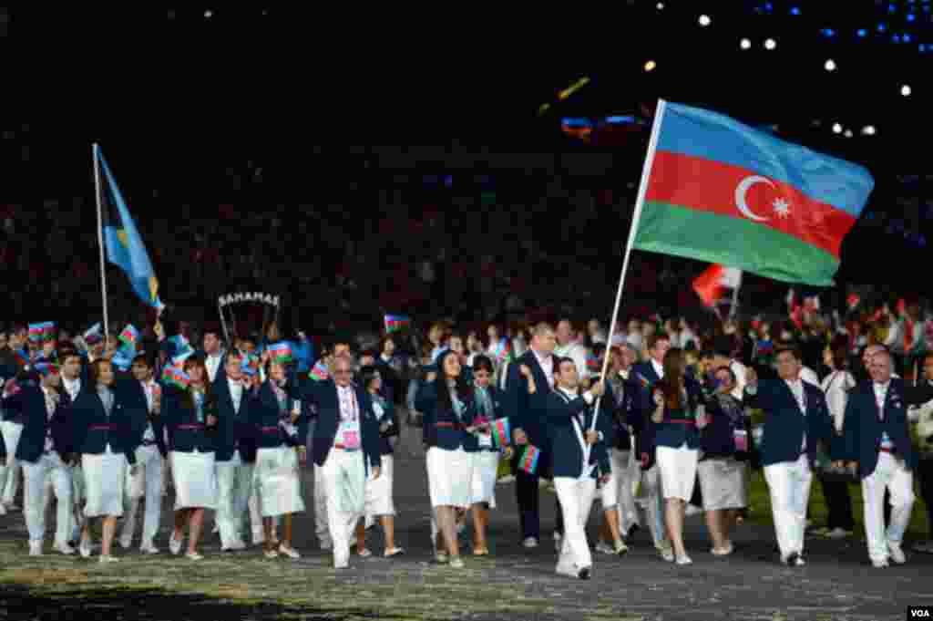 Azərbaycanın Olimpiya komandası oyunların açılışında