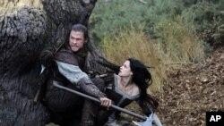 'Snow White and the Huntsman' là một câu chuyện đầy u ám.
