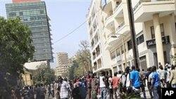 Masu Zanga zangar kin amincewa da yiwa kundin tsarin mulkin kasar Senegal gyaran fuska