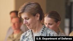 General Lori Robinson yaqingacha AQShning Tinch okeani harbiy-havo kuchlariga qo'mondon edi