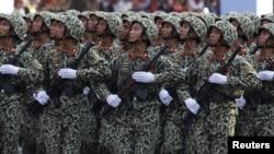 Chi tiêu quân sự của Việt Nam năm 2015 đạt 4,4 tỉ đôla, chiếm 8% tổng chi tiêu chính phủ.