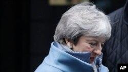 Britanska premijerka Tereza Mej napušta rezidenciju u Dauning stritu 21. januara 2019.