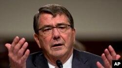 اشتون کارتر، وزیر دفاع امریکا به روز دوشنبه در عراق بود و در این سفرش، اعزام ۵۶۰ سرباز امریکایی را به آن کشور اعلام کرد.