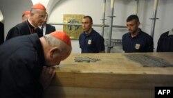 Папу эксгумировали, чтобы беатифицировать