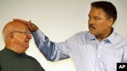 Muhammad Ali pasó sus últimos años devastado por la enfermedad de Parkinson, pero nunca se retiró de la vida pública.