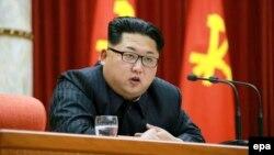 Lãnh tụ Bắc Triều Tiên Kim Jong-Un bị Mỹ đưa vào danh sách đen bị trừng phạt vì vi phạm nhân quyền.