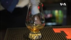 """波本威士忌""""黄金时代""""遭遇关税 引发业界忧虑"""