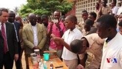 Videwo: Laboratoire Ngendanwa mu Mashure yo Muri Togo