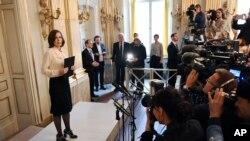 « سارا دینیوس»، دبیر آکادمی سوئد که مسئول انتخاب برنده جایزه نوبل ادبیات است از سمت خود کناره گیری کرد