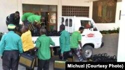 Mikoba yenye makabarasha kwa ajili ya mkutano mkuu wa CCM