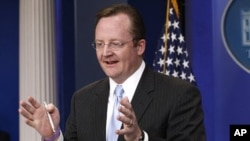 White House Press Secretary Robert Gibbs gives his final press briefing at the White House in Washington, February 11, 2011