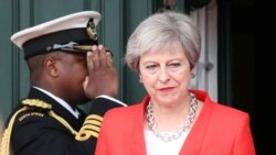 Theresa May rend son tablier