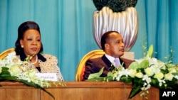 Le président congolais Denis Sassou Nguesso (droite) et la présidente centrafricaine Catherine Samba Panza, le 21 juillet 2014, à Brazzaville.