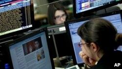 7일 리스본 포르투칼 은행 거래소의 금융중개인. (자료사진)