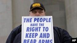 Un citoyen américain, défenseur du doit de port d'armes.