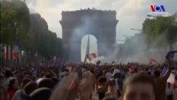 Paris'te Kupa Sevinci