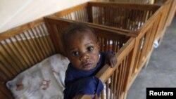 De los 3,3 millones de menores que tienen el virus, solo 650 mil recibieron medicamentos contra el SIDA el año pasado.