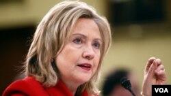 La funcionaria estadounidense, Hillary Clinton, afirmó que su país está enfocado en ayudar a México para combatir el narcotráfico, pero además en construir mejores sociedades.