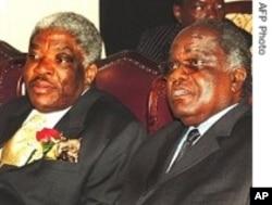 Namibia incumbent President Hifikepunye Pohamba (R) With Deceased Zambia President Patrick Levy Mwanawasa.