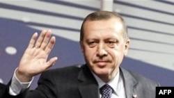 Başbakan Erdoğan BDP'yi PKK'nın Sözcüsü Olmakla Suçladı