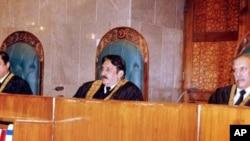 عدالت عظمیٰ میں مقدمے کی سماعت (فائل فوٹو)