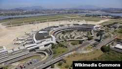 Odebrecht mantiene un puerto permanente en el aeropuerto de Maiquetía en Venezuela.