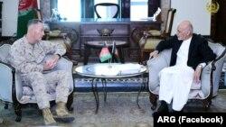 سفر آقای دنفورد به افغانستان، آخرین گام برای تصمیم نهایی در مورد استقرار ۴۰۰۰ سرباز دیگر امریکایی در افغانستان است