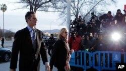 La princesse espagnole Cristina et son mari Inaki Urdangarin à leur arrivée au tribunal des Iles Baléares, à Palma de Majorque, Espagne, le lundi 11 janvier 2016