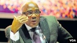 Umpathintambo wendaba zasekhaya kwele South Africa, uMnu. Aaron Motsoaledi