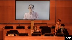 Pemimpin oposisi Belarus, Svetlana Tikhanovskaya, berbicara melalui tayangan video dalam pertemuan virtual di hadapan Dewan Hak Asasi Manusia Perserikatan Bangsa-Bangsa di Jenewa, terkait tuduhan penyiksaan dan pelanggaran serius lainnya di negaranya, 18 September 2020.