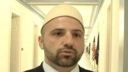 Nusret Pllana paraqet librin e tij në Uashington