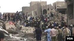 Al-Qaida Irak menjadikan gedung-gedung pemerintah sebagai sasaran pemboman.