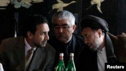 عبدالرشید دوستم (وسط) معاون رئیس جمهوری افغانستان