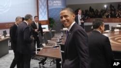 美国总统奥巴马11月13日抵达APEC峰会现场