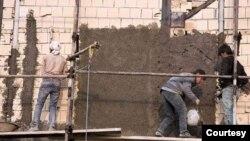 İranda inşaat işçiləri