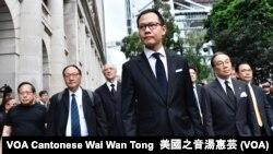 香港立法會法律界議員郭榮鏗帶領黑衣靜默遊行反《逃犯條例》修訂 (攝影:美國之音湯惠芸)