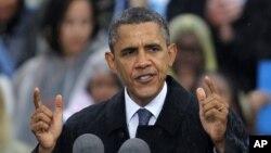 Tổng thống Obama phát biểu tại trường Đại học Cleveland State, thứ Sáu, 5/10/2012, tại Cleveland