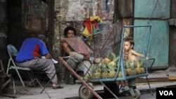 El estudio refleja que los cubanos tienen poca confianza en la capacidad del gobierno para mejorarles la vida.