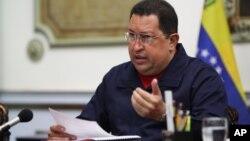 La ventaja que ostenta Chávez en los sondeos podría disminuir.