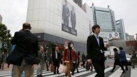 Ekonomia japoneze bie në recesion