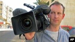 شام میں ہلاک ہونے والے فرانسیسی ٹیلیویژن رپورٹر ژِیل جیکوئر (فائل فوٹو)